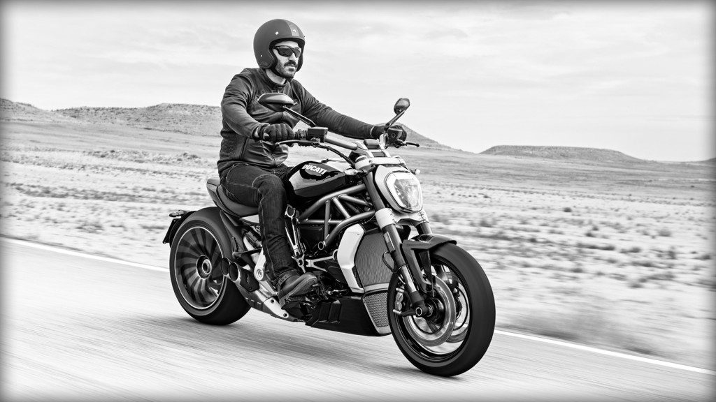 XDiavel-s_2016_Amb-01_1920x1080_mediagallery_output_image_[1920x1080]