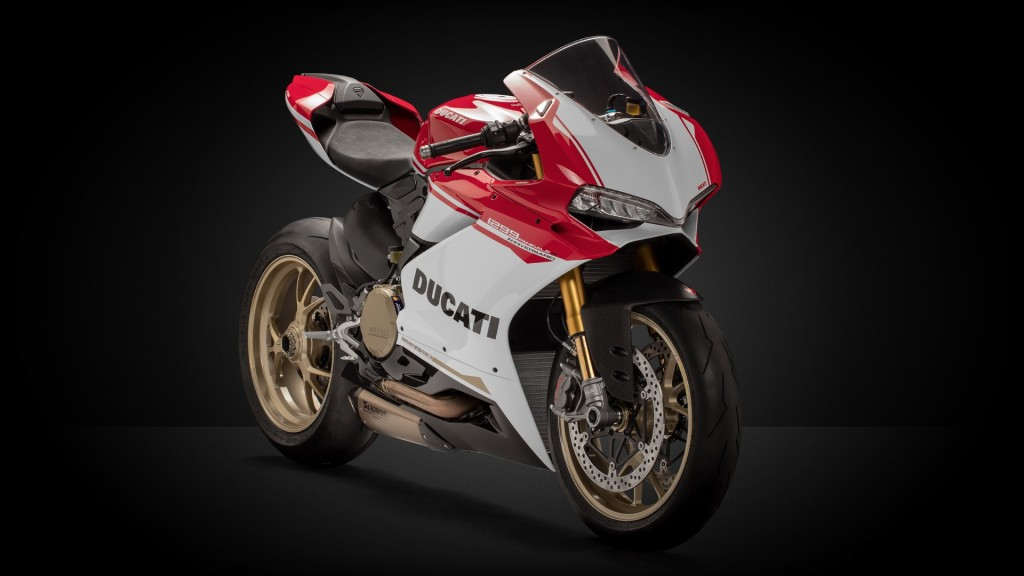 SBK-1299-Panigale_2017_studio_90th_B01_1920x1080_mediagallery_output_image_[1920x1080]