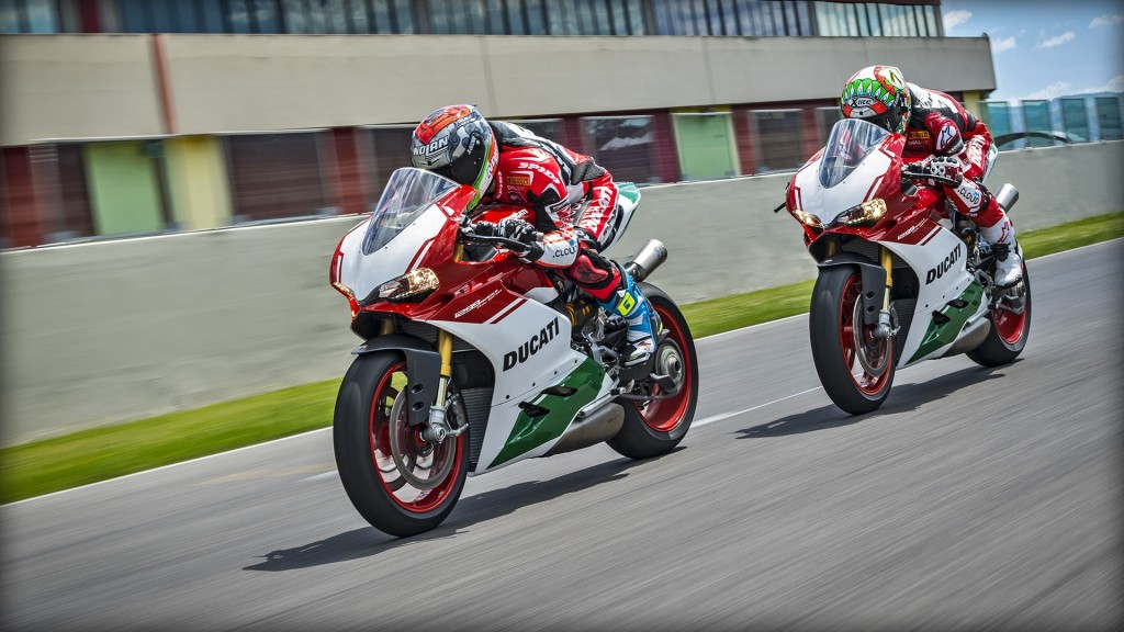 Panigale_Final-Edition_2018_Ambience_FE_08_Gallery_1920x1080_mediagallery_output_image_[1920x1080]