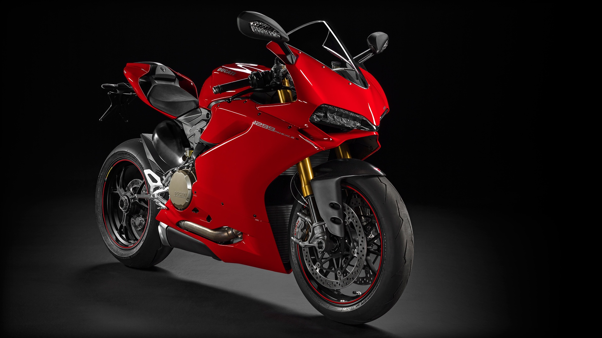 SBK-1299-Panigale-S_2015_Studio_R_B01_1920x1080_mediagallery_output_image_[1920x1080]