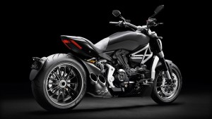 XDiavel_2016_Studio_D01_1920x1080_mediagallery_output_image_[1920x1080]