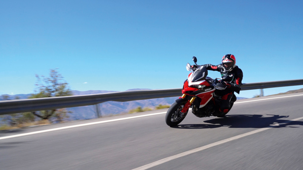 Multistrada-1260-MY18-Red-43-Slider-Gallery-1920x1080