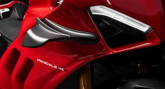 Panigale-V4R-Red-MY19-09-Gallery-1920x1080