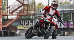 Hypermotard-950-SP-MY19-Torino-02-Gallery-1920x1080