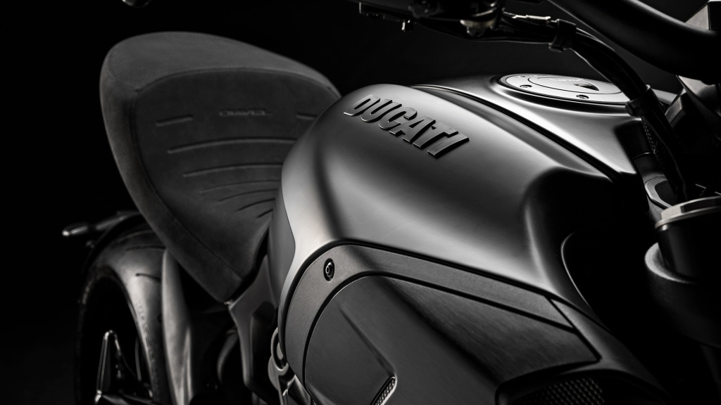 Diavel-1260-MY20-16-Gallery-1920x1080